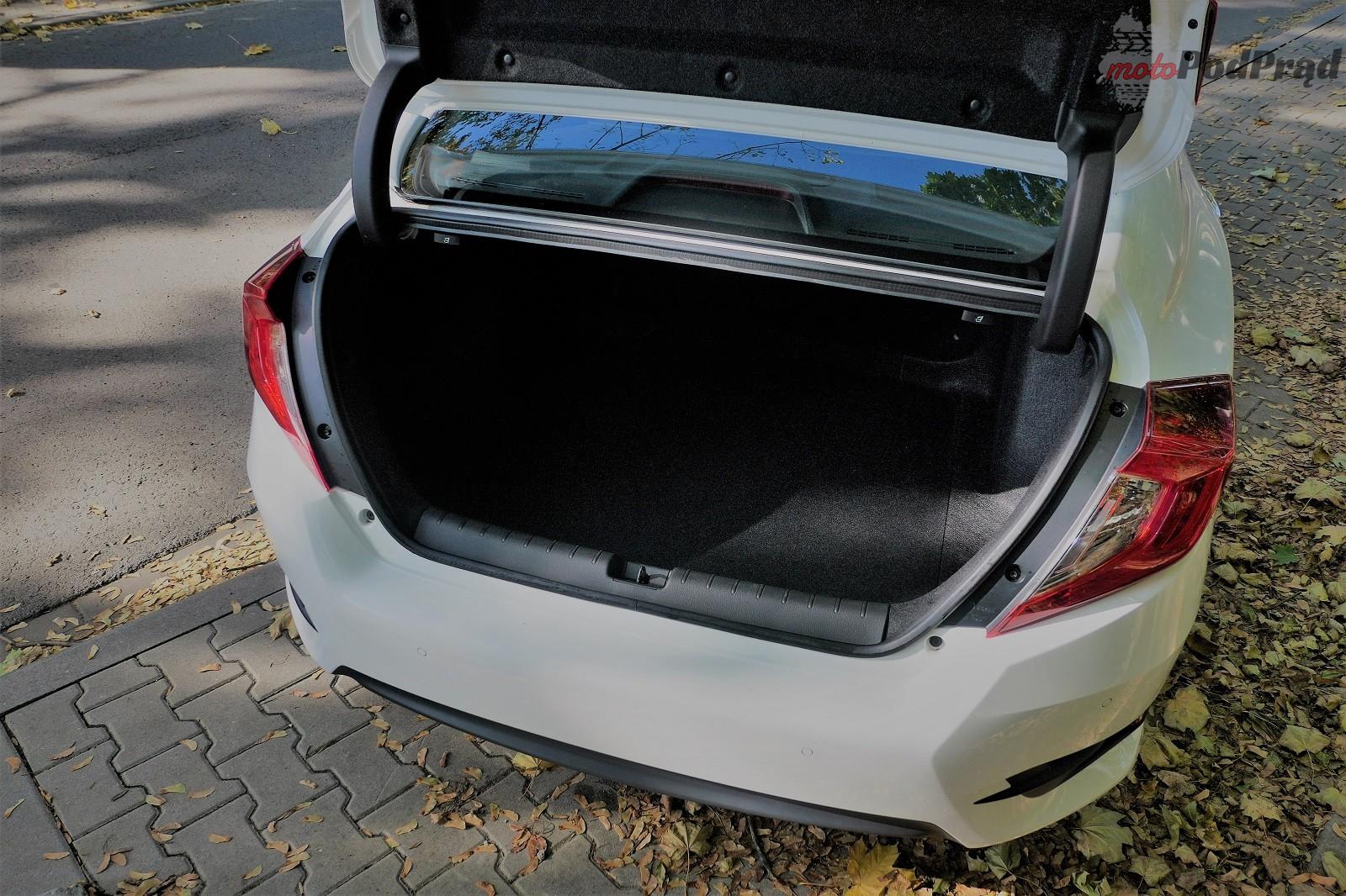 6. bagażnik 10 rzeczy, które zaskakują w Hondzie Civic
