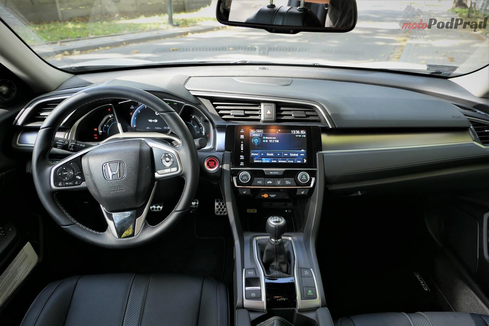 Honda Civix X Sedan 10 10 rzeczy, które zaskakują w Hondzie Civic