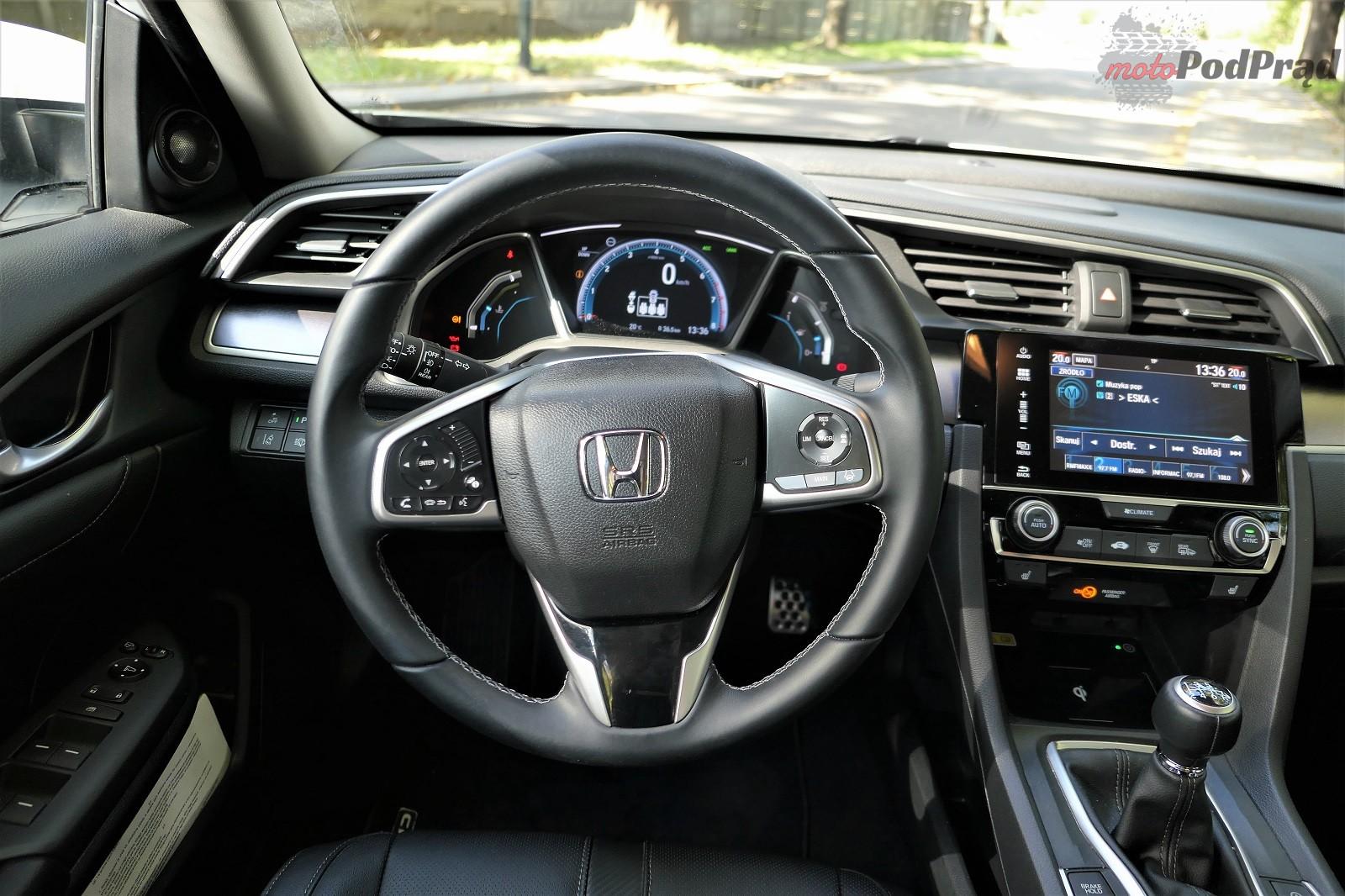 Honda Civix X Sedan 11 10 rzeczy, które zaskakują w Hondzie Civic