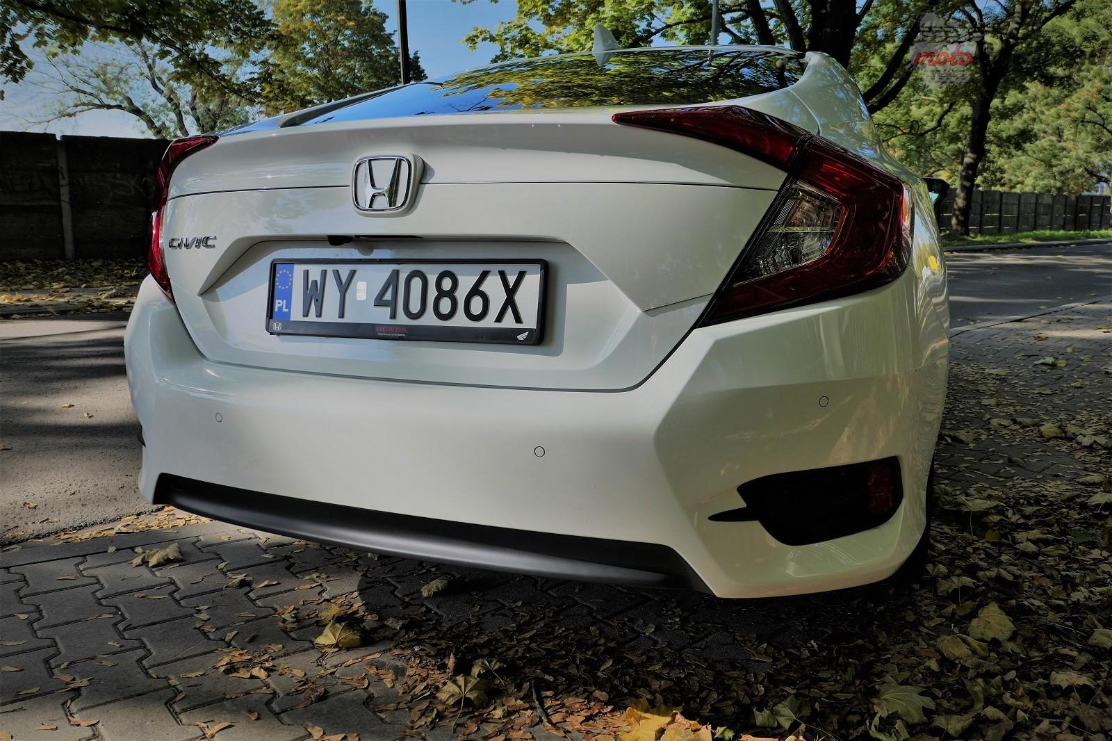 Honda Civix X Sedan 14 10 rzeczy, które zaskakują w Hondzie Civic