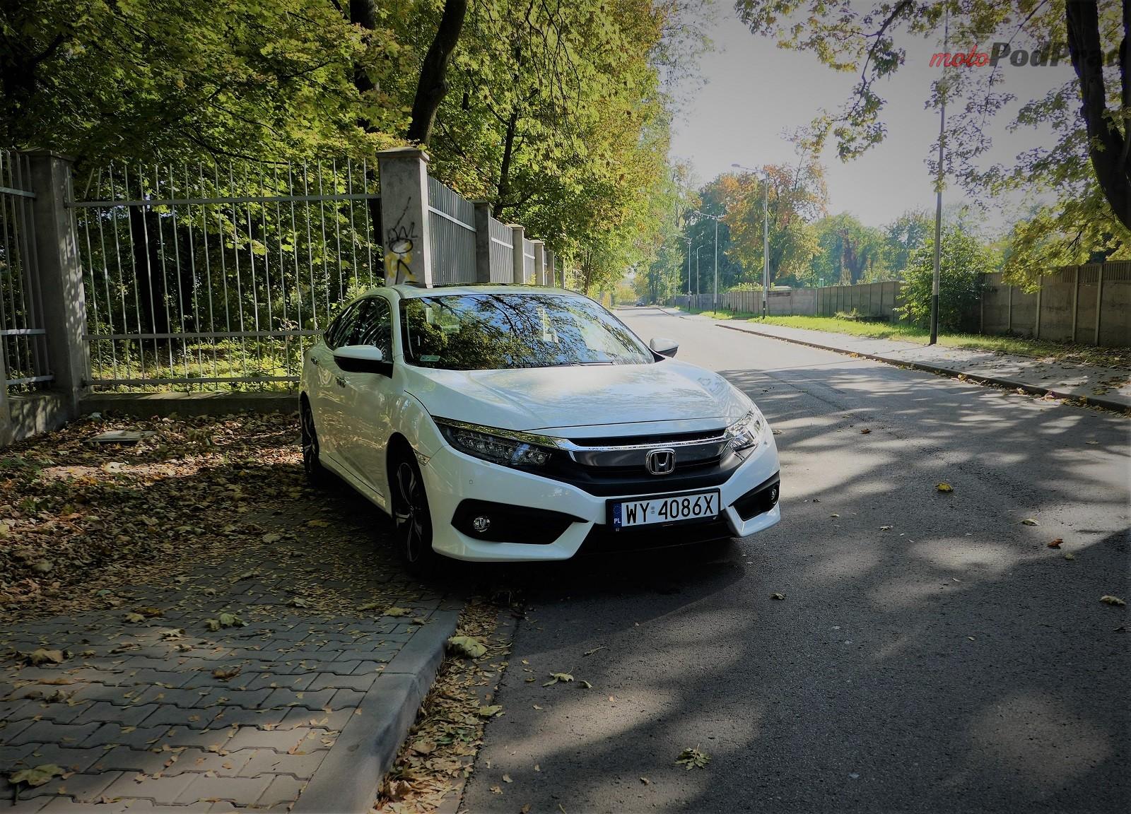 Honda Civix X Sedan 3 10 rzeczy, które zaskakują w Hondzie Civic