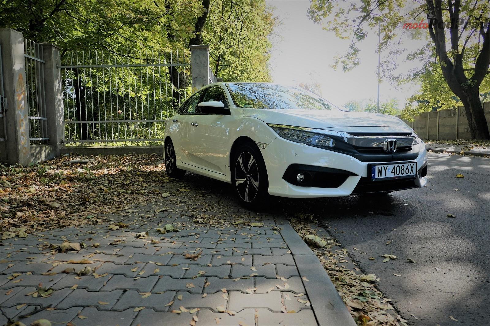 Honda Civix X Sedan 4 10 rzeczy, które zaskakują w Hondzie Civic