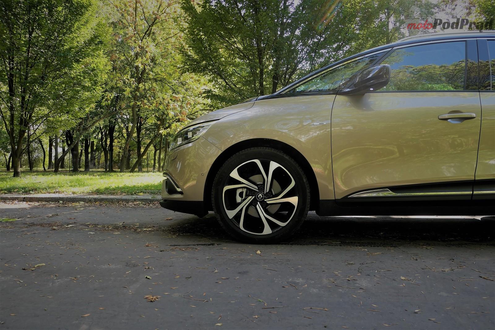 Renault Grand Scenic 2 Test: Renault Grand Scenic 1,3 tCe   wielki tylko ciałem