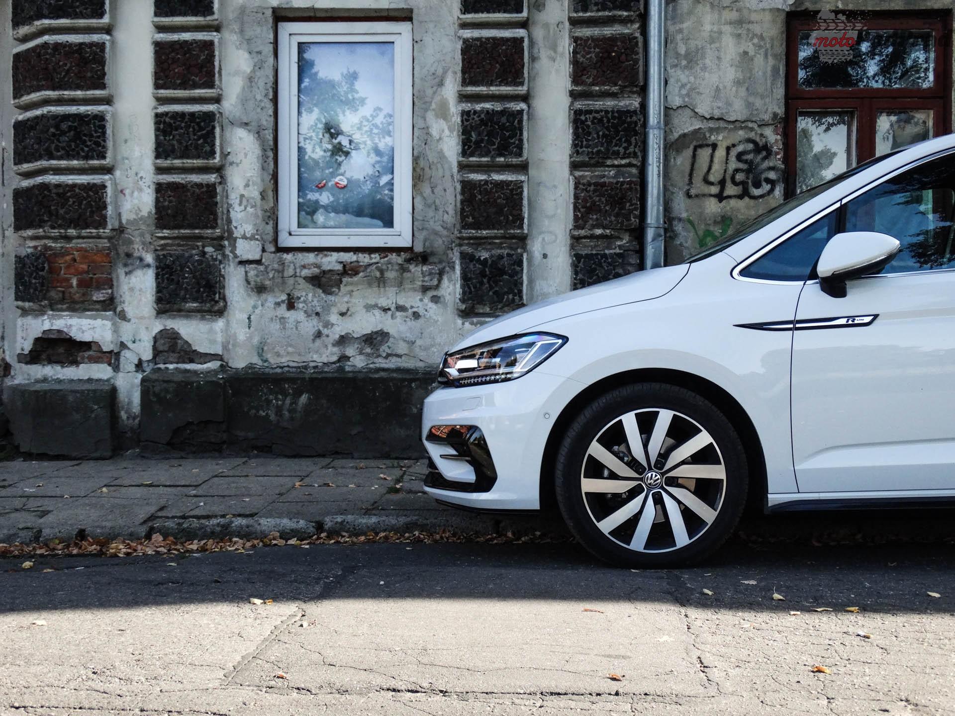 Volkswagen Touran 9 Test: Volkswagen Touran 1.8 TSI 180 KM   sportowy van