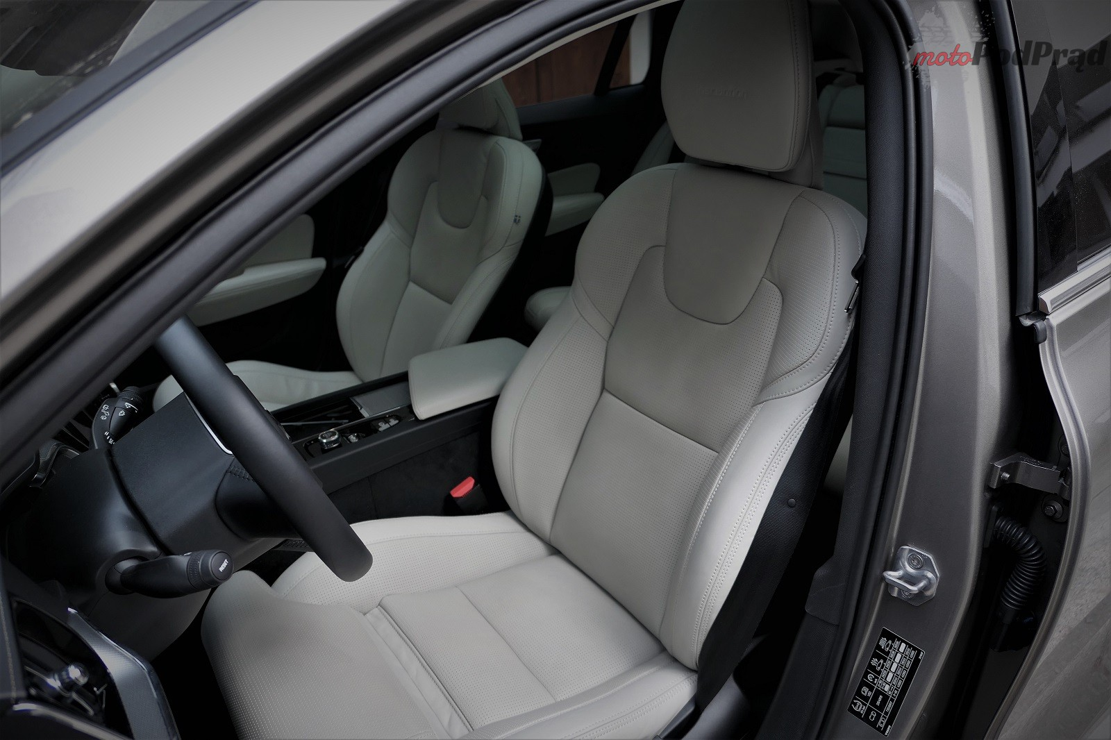 Volvo V60 10 Test: Volvo V60 D4   chłodno i elegancko