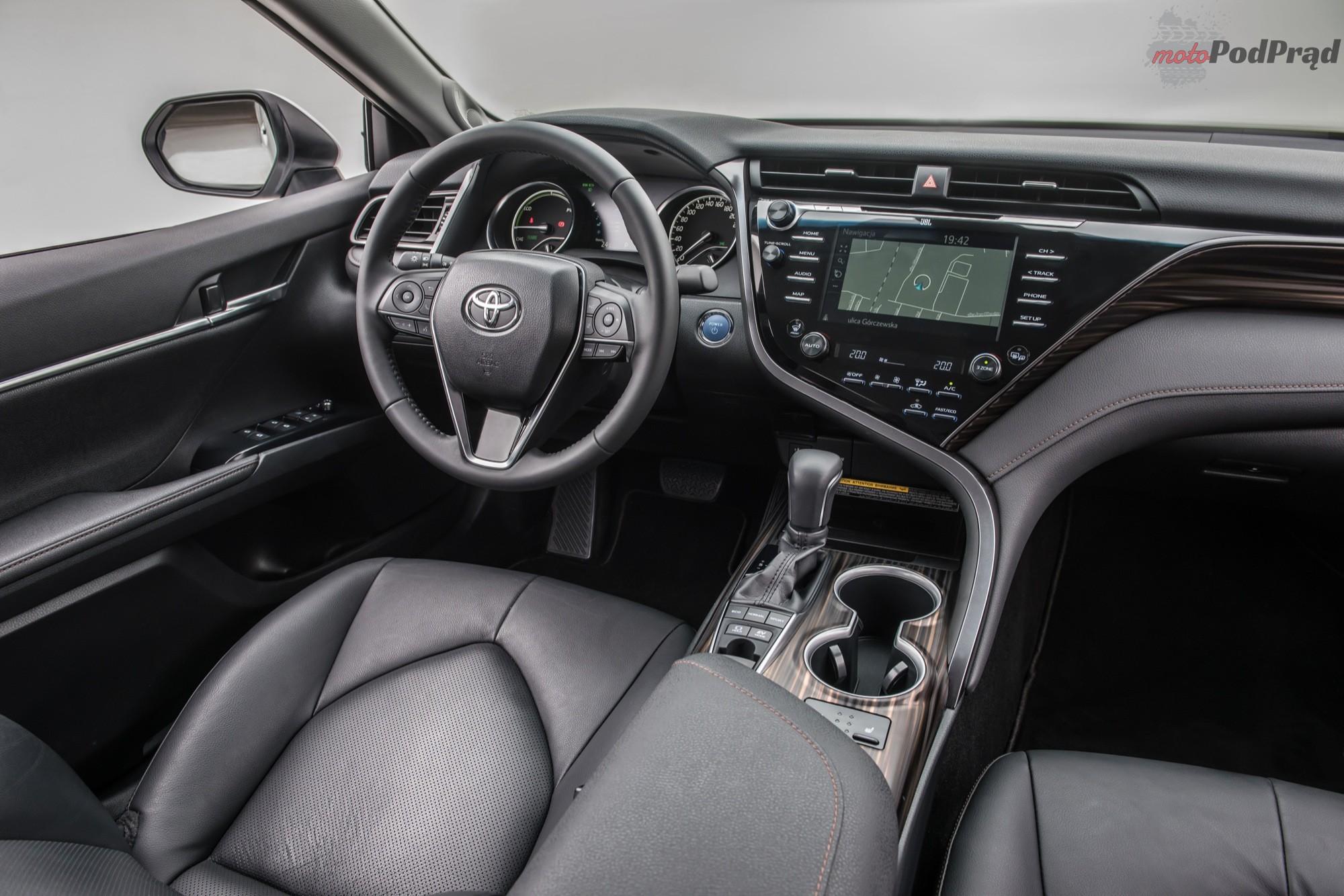 nowa toyota camry 03 Toyota Camry wchodzi do polskich salonów