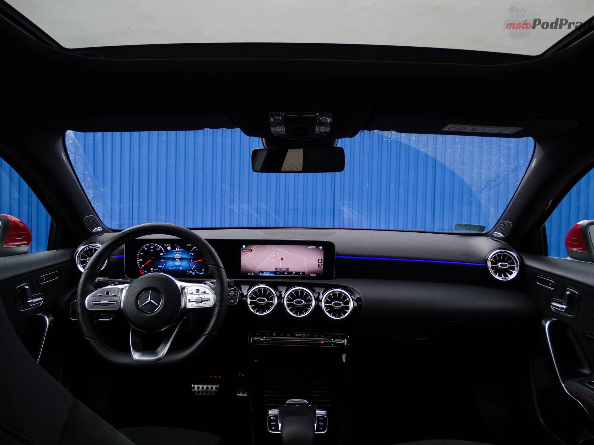 Mercedes A200 9 Test: Mercedes Benz A200   hej, Mercedes!