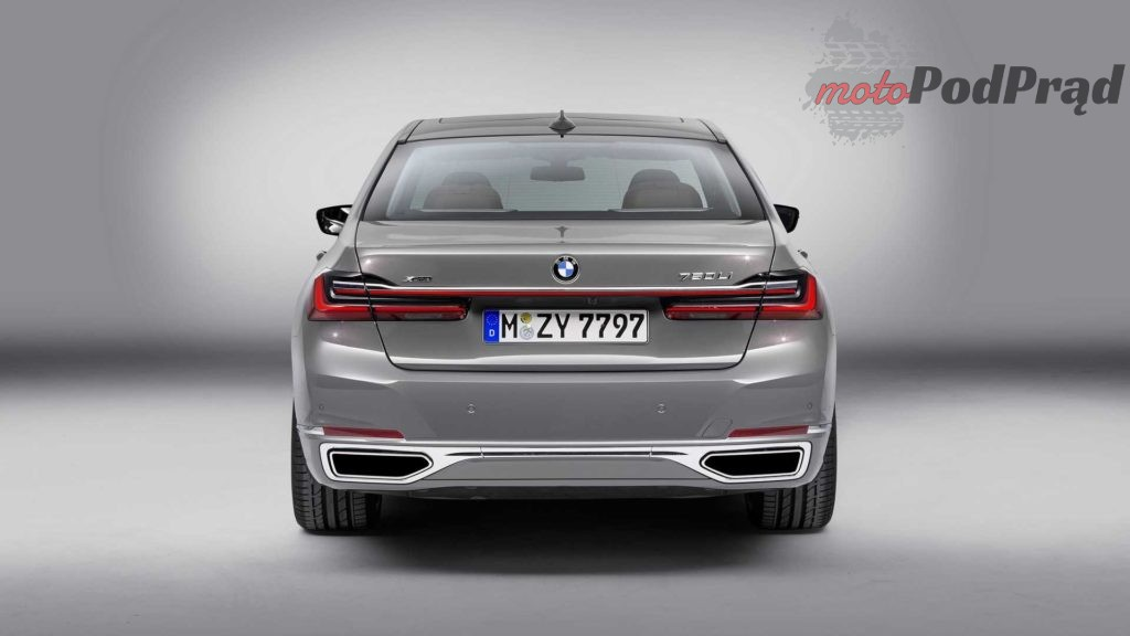 2020 bmw 7 series 3 1024x576 BMW 7 FL   frontalny atak