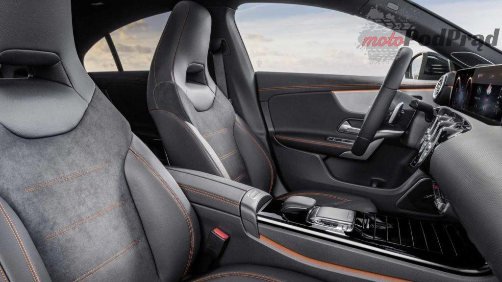 nuova mercedes cla 6 1024x576 Nowy Mercedes CLA stawia na inteligentne rozwiązania