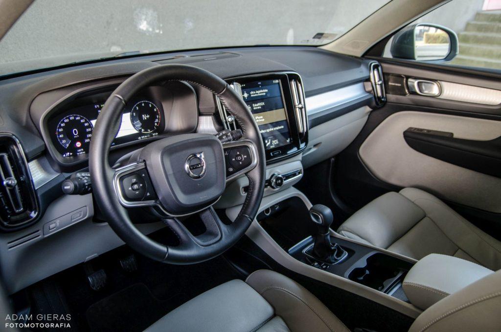 volvo moment 17 1024x678 Minitest: Volvo XC40   to się sprzeda