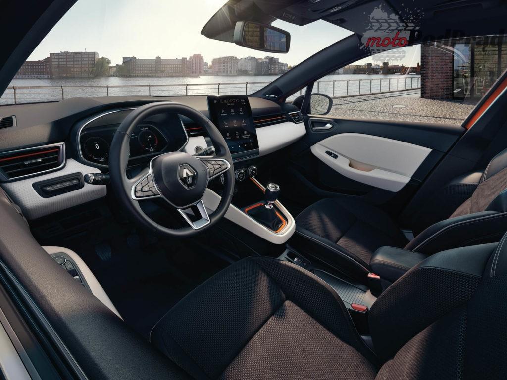 Renault Clio wnetrze 1 1024x768 Nowe Renault Clio   oficjalne zdjęcia