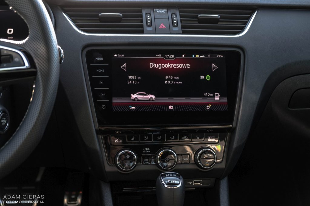Octavia RS 10 1024x683 Test: Skoda Octavia RS Challenge   łobuz w rodzinie