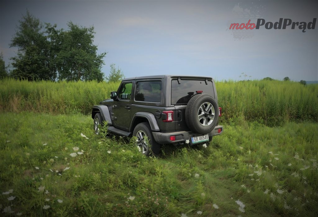 Jeep Wrangler 16 1024x699 Test: Jeep Wrangler Sahara   piasku po dziurki w nosie