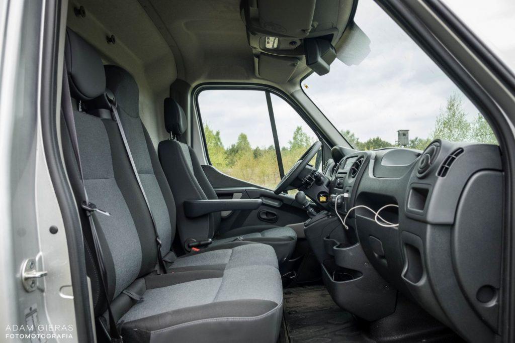 master 16 1024x683 Porównanie: Renault Master vs Volskwagen Crafter – offroadowe starcie dostawczaków