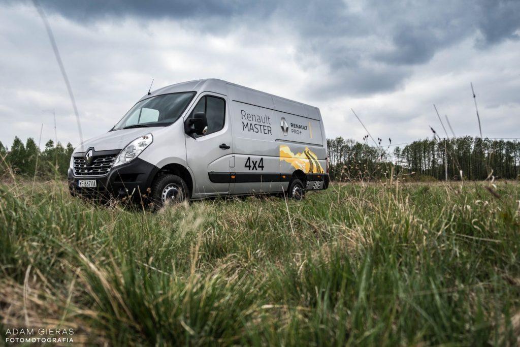 master 3 1024x683 Porównanie: Renault Master vs Volskwagen Crafter – offroadowe starcie dostawczaków