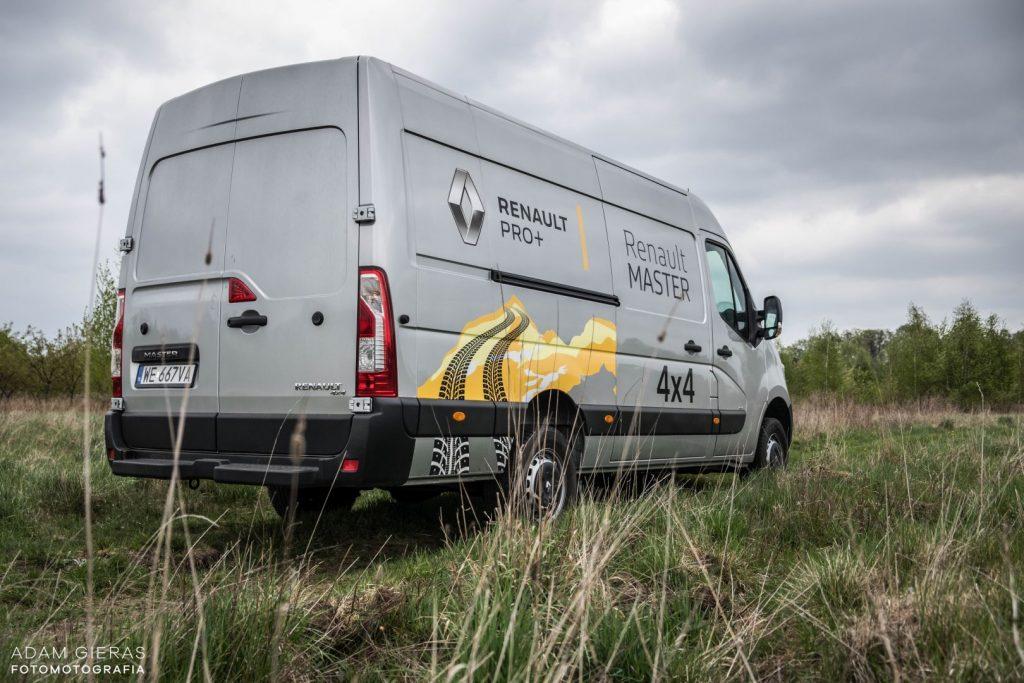 master 5 1024x683 Porównanie: Renault Master vs Volskwagen Crafter – offroadowe starcie dostawczaków