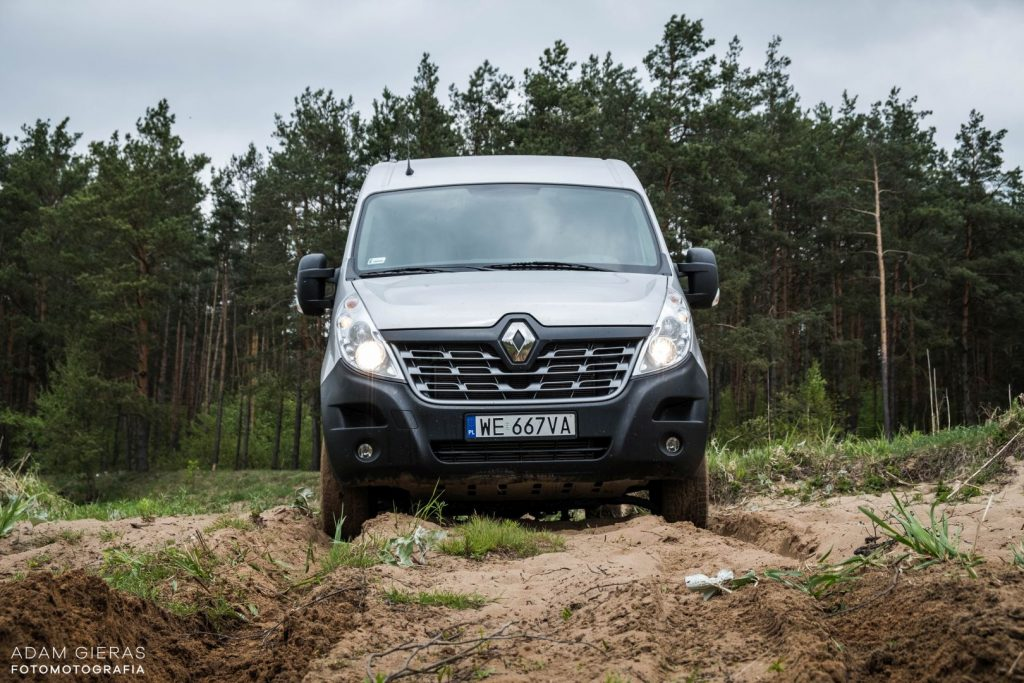 master 7 1024x683 Porównanie: Renault Master vs Volskwagen Crafter – offroadowe starcie dostawczaków