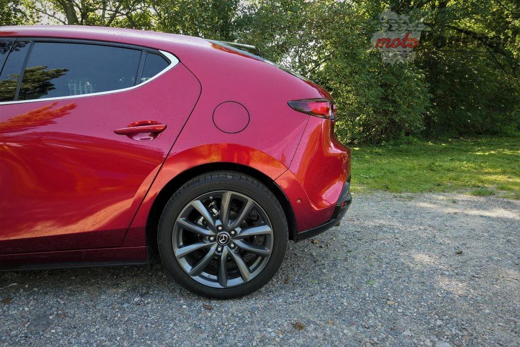 Mazda 3 12 1024x683 Test: Mazda 3   klasowy kompakt