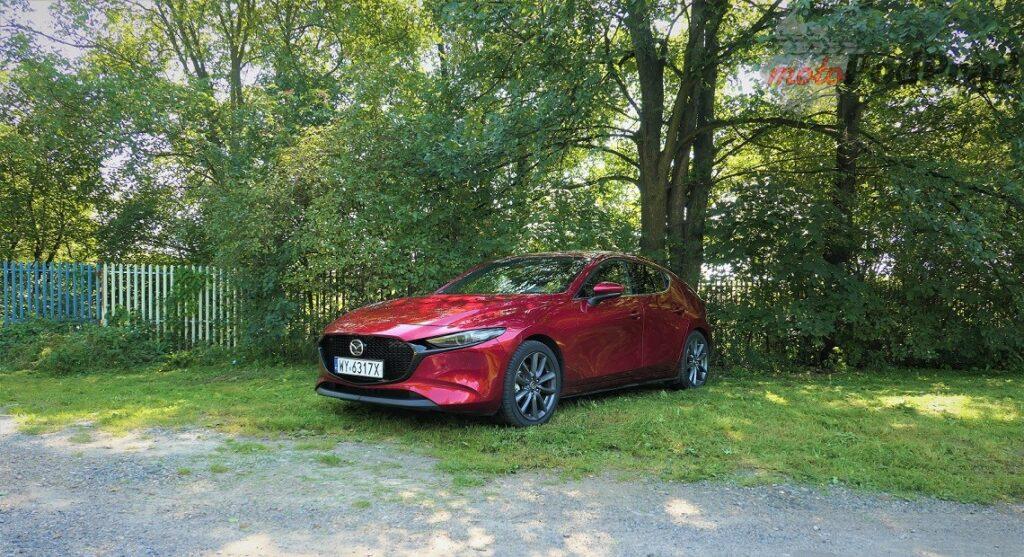 Mazda 3 2 1024x557 Test: Mazda 3   klasowy kompakt