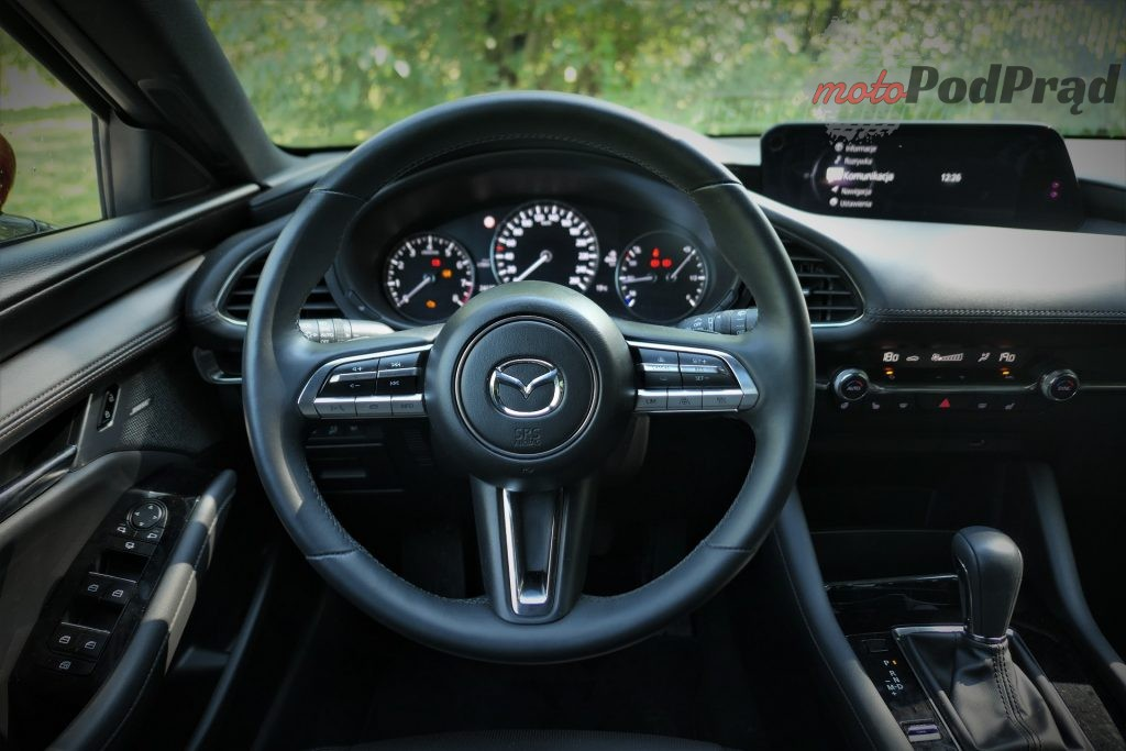 Mazda 3 21 1024x683 Test: Mazda 3   klasowy kompakt