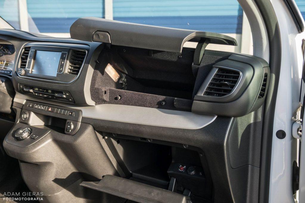 Spacetourer inside 17 1024x683 Test: Citroen SpaceTourer   minibus z charakterem