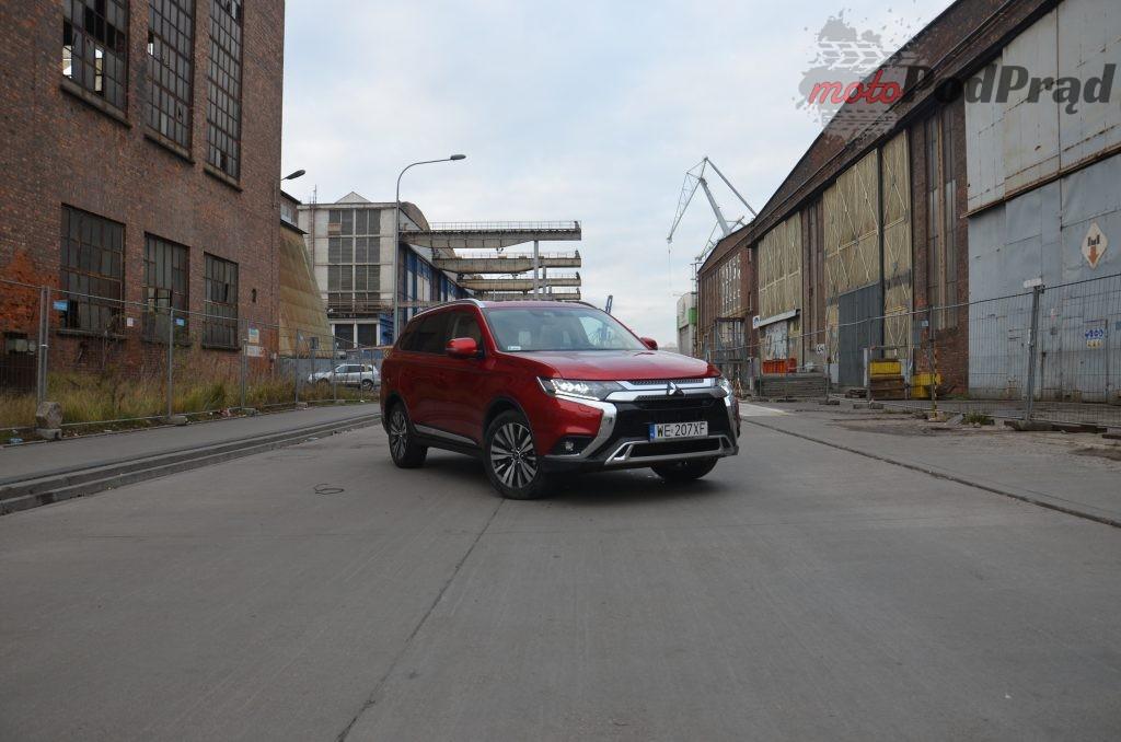 15 1 1024x678 Test: Mitsubishi Outlander – bezawaryjność kosztem diesla?