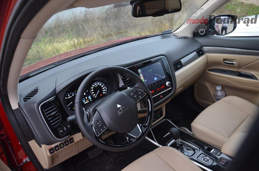 30 1024x678 Test: Mitsubishi Outlander – bezawaryjność kosztem diesla?