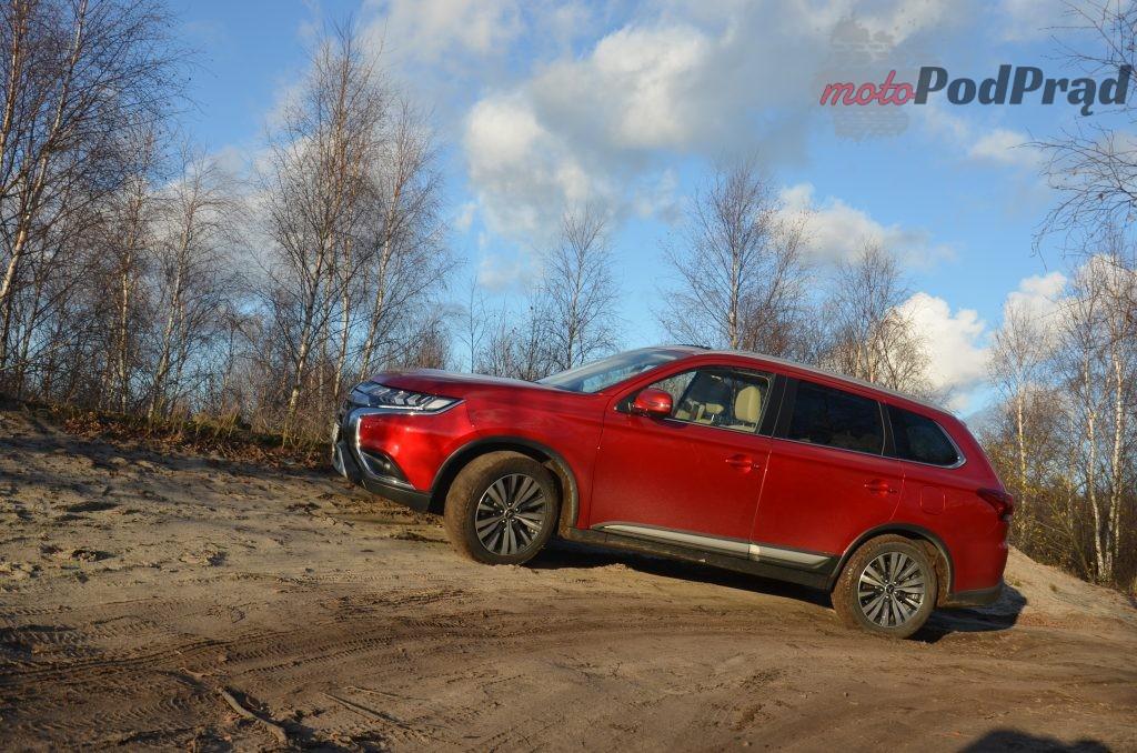 4 1 1024x678 Test: Mitsubishi Outlander – bezawaryjność kosztem diesla?