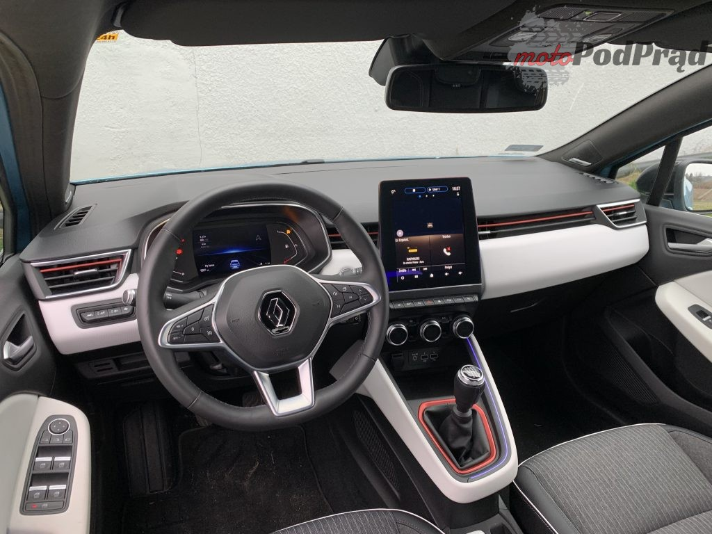 Renault Clio 32 1024x768 Test: Renault Clio   jak piątką strzelić w 10?!
