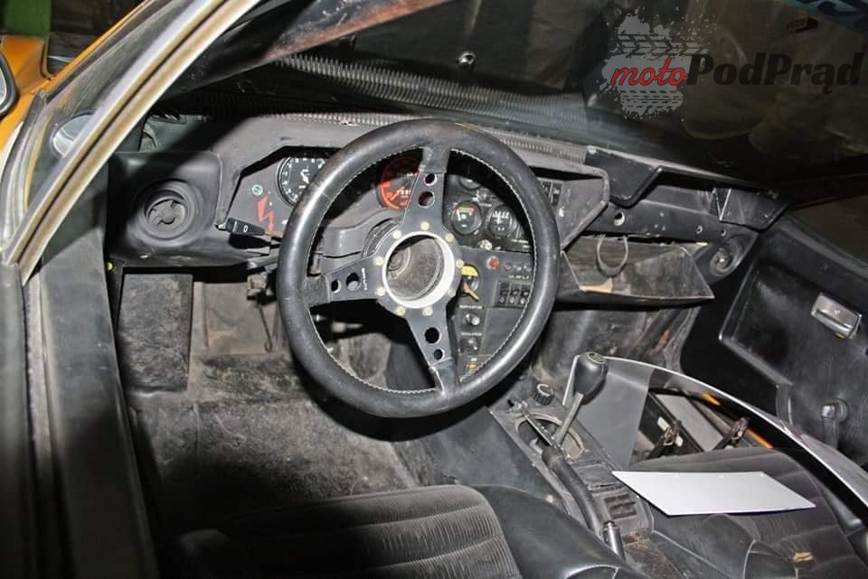 14 3 Tajemniczy garaż zabytkowych Renault