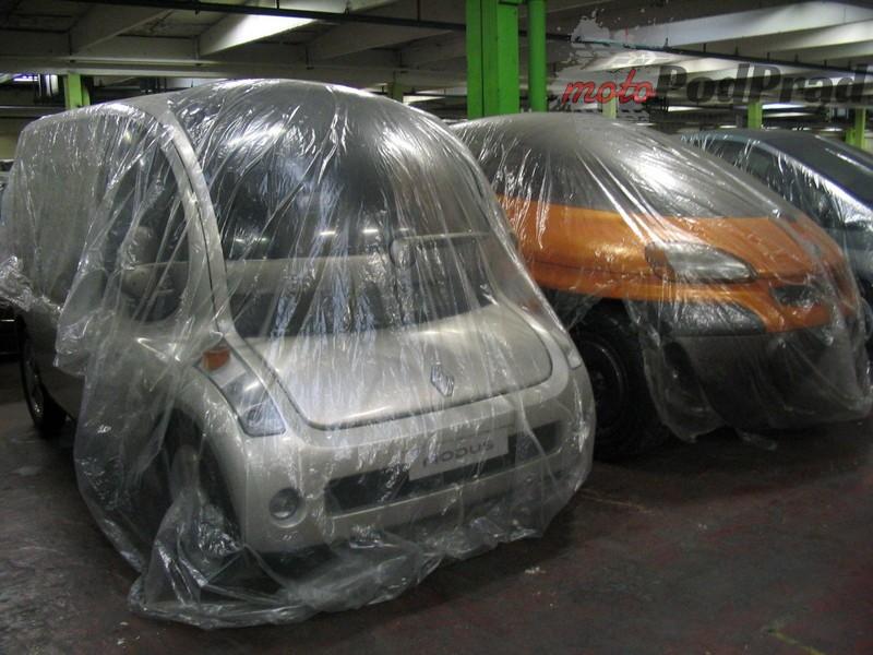 17 2 Tajemniczy garaż zabytkowych Renault