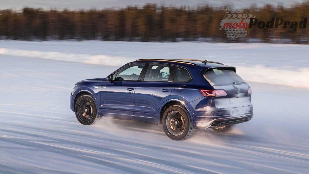 2021 vw touareg r 3 1024x576 Touareg R   to jest SUV, którego chcemy!
