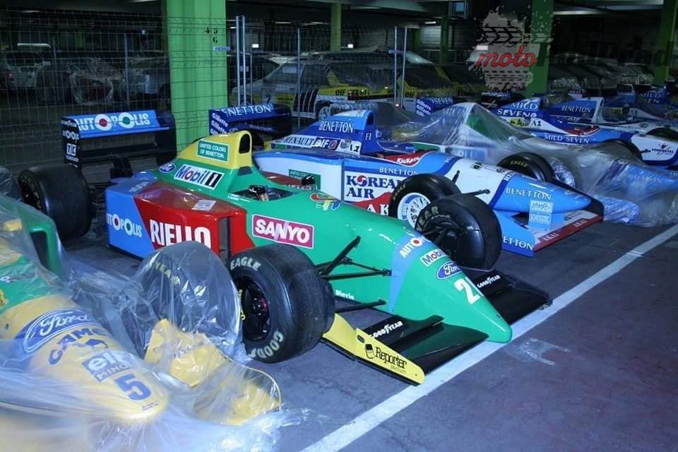5 4 Tajemniczy garaż zabytkowych Renault