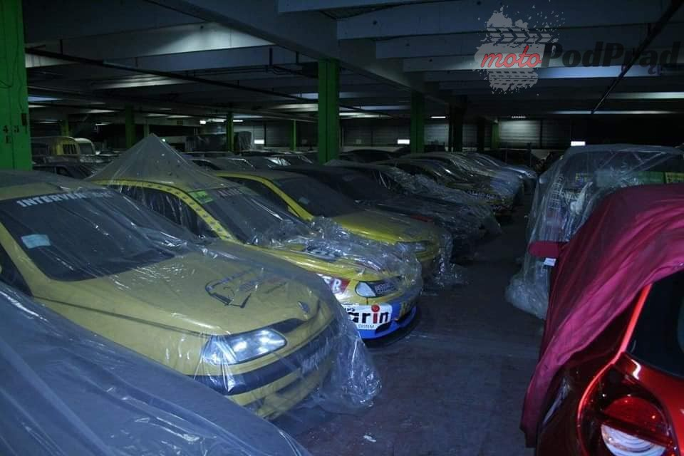 7 4 Tajemniczy garaż zabytkowych Renault