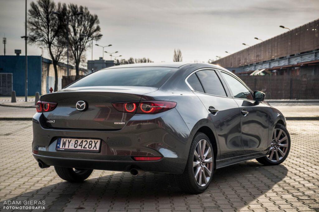 Mazda3 sedan 4 1024x683