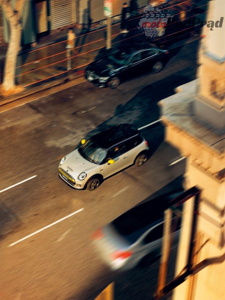Mini Electric 2 768x1024 Elektryczne MINI   gokartowa frajda z jazdy zasilana z gniazdka?