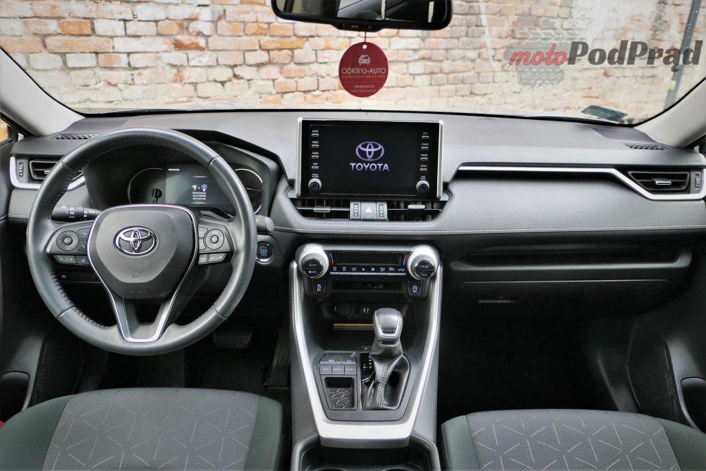 Toyota RAV4 24 1024x683 Odkryj z nami auto: Toyota RAV4 2.0 173 KM