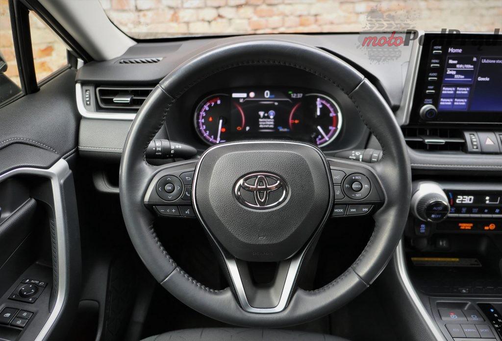 Toyota RAV4 26 1024x697 Odkryj z nami auto: Toyota RAV4 2.0 173 KM