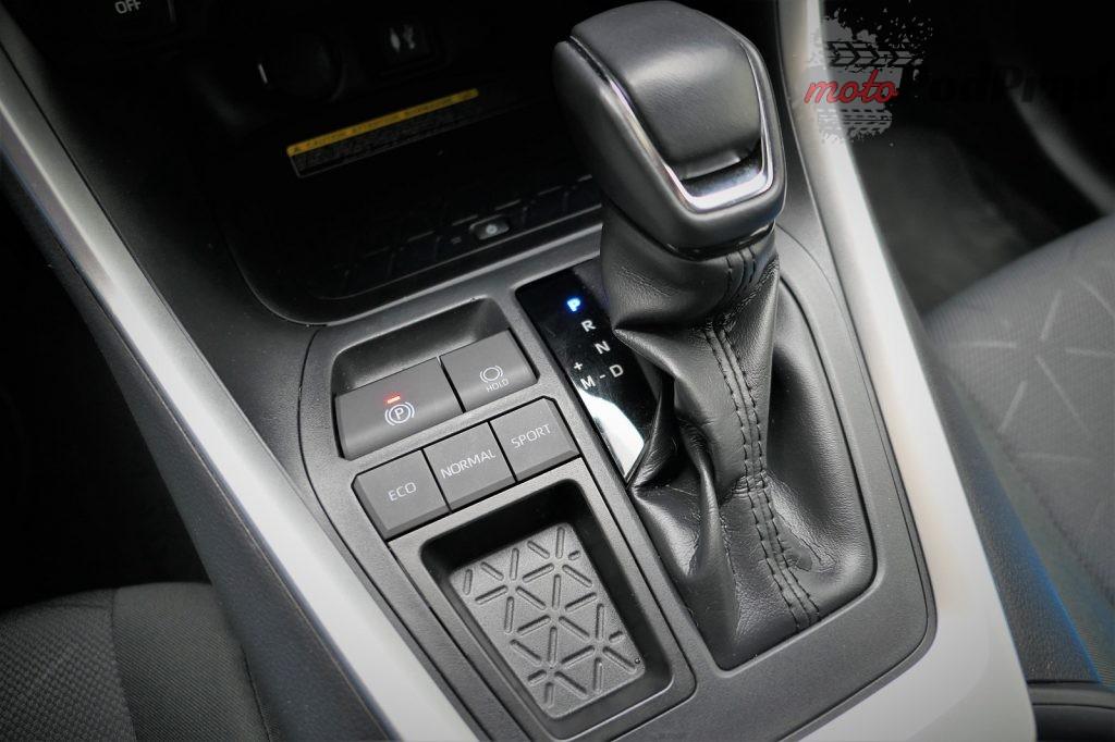 Toyota RAV4 7 1024x682 Odkryj z nami auto: Toyota RAV4 2.0 173 KM