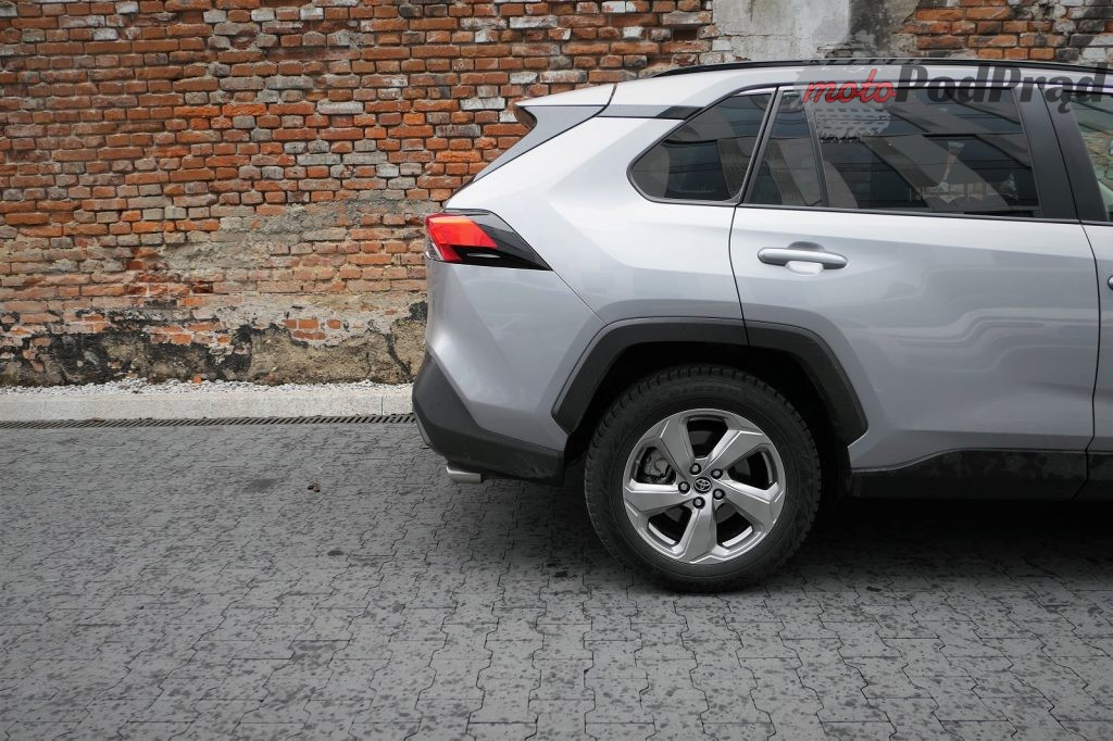 Toyota RAV4 9 1024x682 Odkryj z nami auto: Toyota RAV4 2.0 173 KM