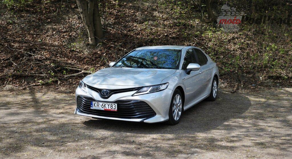 Toyota Camry 24 1024x558 Odkryj z nami auto: Toyota Camry