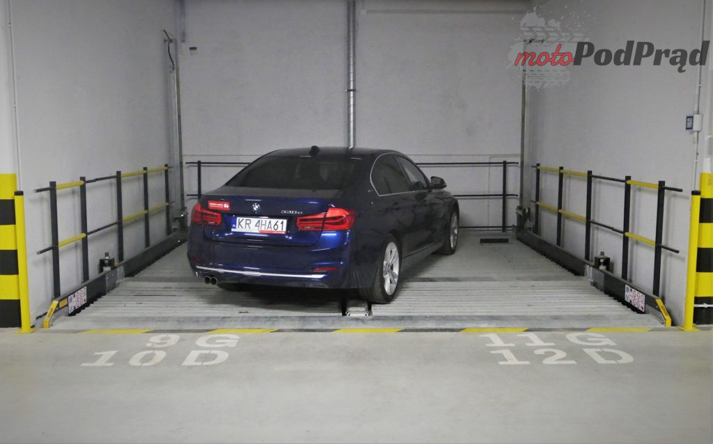 BMW 330e 15 1024x638