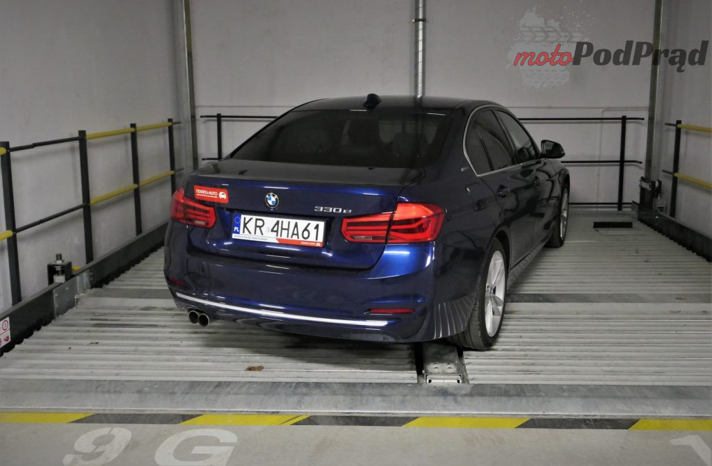 BMW 330e 16 1024x671