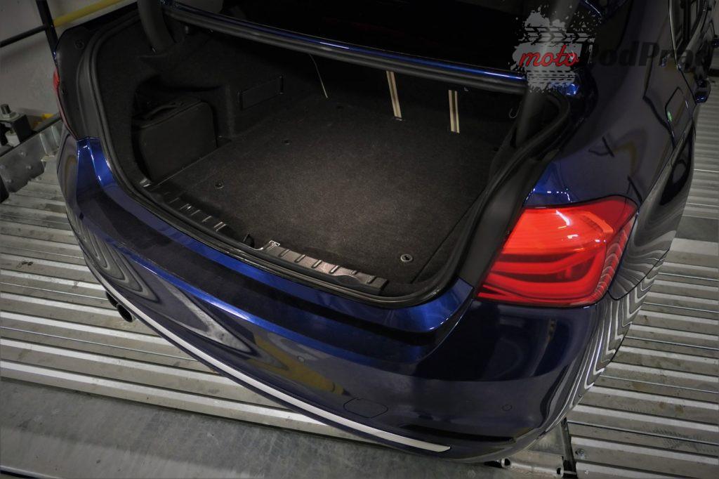 BMW 330e 18 1024x682