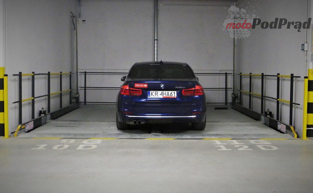 BMW 330e 32 1024x631