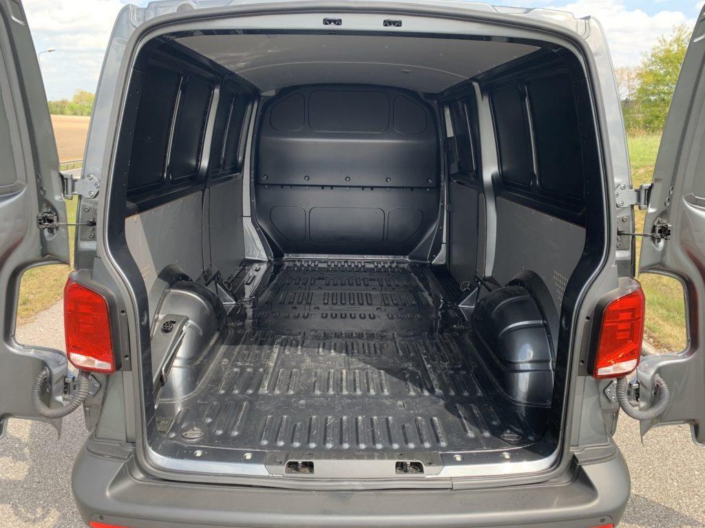 Volkswagen Transporter 12 1024x768 Test: Volkswagen Transporter   zakładamy firmę!