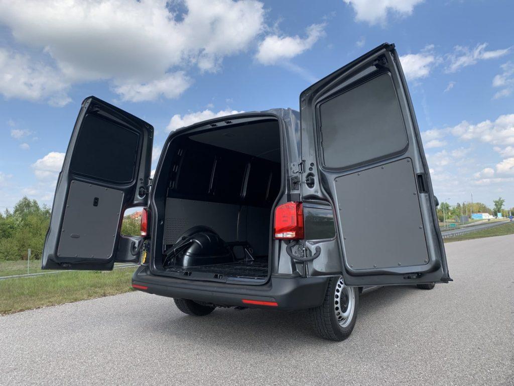 Volkswagen Transporter 14 1024x768 Test: Volkswagen Transporter   zakładamy firmę!