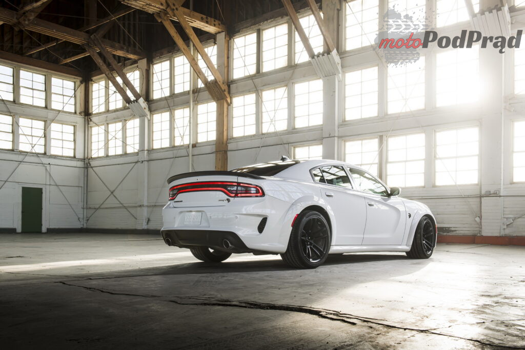 2021 Dodge Charger SRT Hellcat Redeye 03 1024x683 325 km/h w Dodge Charger SRT Hellcat Redeye