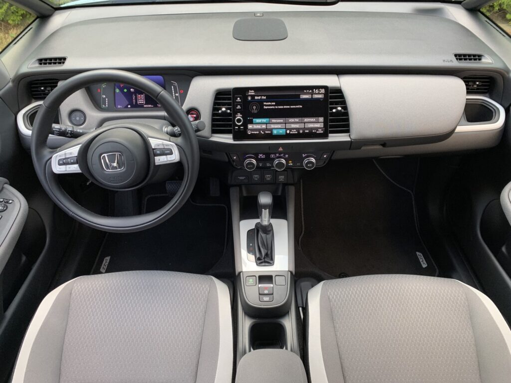 Honda Jazz Crosstar Executive 27 1024x768