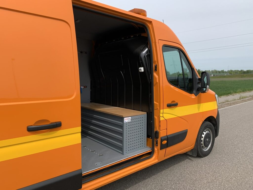 Renault Master autostradowy 31 1024x768